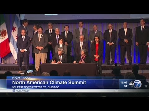 Mayors sign climate agreement in Chicago