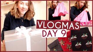 Soap & Glory Suprise & Christmas Socks! • VLOGMAS {DAY 9} Thumbnail
