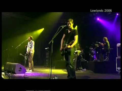 Snow Patrol - Somewhere a Clock Is Ticking (Live at Lowlands 2006)