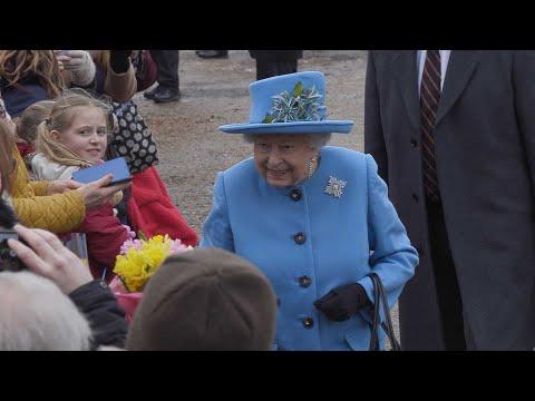 Watch Queen Elizabeth II Having Selfies With The Public.
