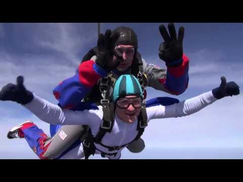 Прыжок с парашютом 4000 метров.  Мой первый тандем прыжок с парашютом с высоты 4000 метров
