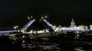 Ночная прогулка по Неве. Разводка Дворцового моста. СпБ/The Opening of The Palace Bridge(, 2016-09-15T05:47:47.000Z)