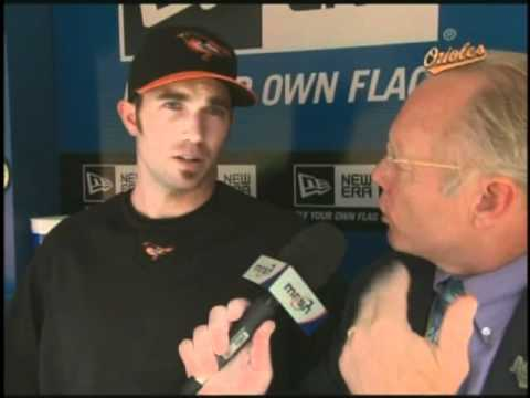 Gary Thorne asks J.J. Hardy about leading off and his feelings on Baltimore