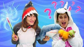 Милая Пони Единорожка в смешном видео! Волшебная палочка для Акулы! Игры для девочек одевалки