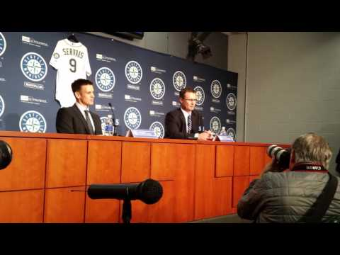 New Mariners manager Scott Servais on his approach to connecting with players