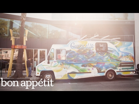 """This Is How You Make an """"Authentic"""" American Taco 