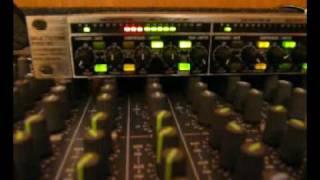 Video Soundboard Basics 9 - Inserting a Compressor download MP3, 3GP, MP4, WEBM, AVI, FLV Juni 2018