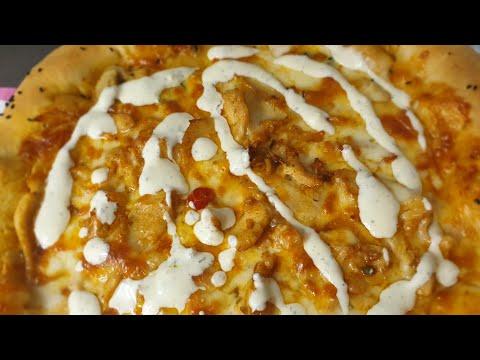 صورة  طريقة عمل البيتزا بيتزا الدجاج الشهية مع طريقة تحضير صوص الرانش بدون كريمة حامضة بطريقة سهلة طريقة عمل البيتزا من يوتيوب