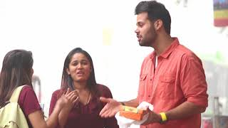 """Mein Kutte Ko Dene Wali Thi"" TWIST (Pranks In India )"