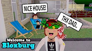 SHOWING MY DAD MY NEW BLOXBURG MANSION! ROBLOX ROLEPLAY - France JEU FAMBAM