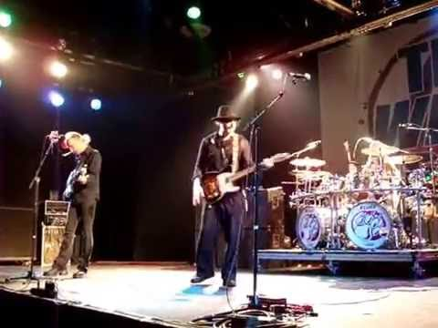 The Winery Dogs -  Regret (Warehouse Live 7/8/16)