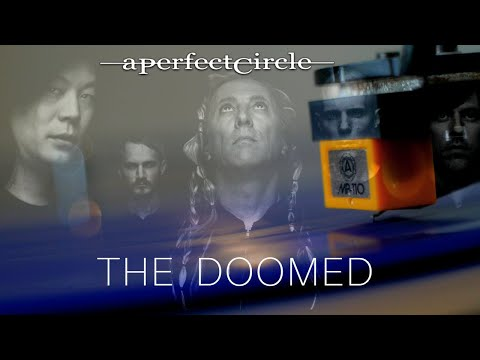 A PERFECT CIRCLE - 'The Doomed' BLUE vinyl spin (HD 1080p)