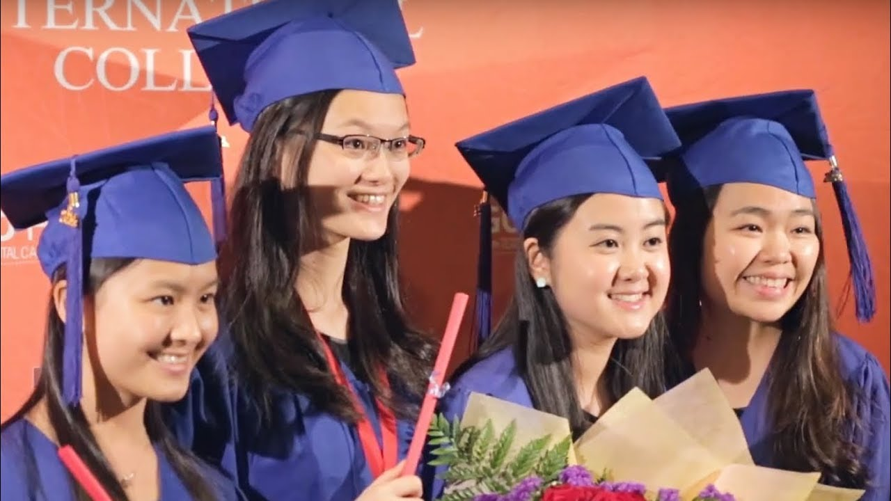 High School Graduation Ceremony Tips - YouTube