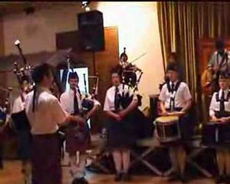 Farfadets et Luxembourg Pipe Band - Green Lands
