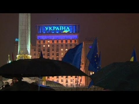 Ukraine: thousands gather in Kyiv for pro-EU rally