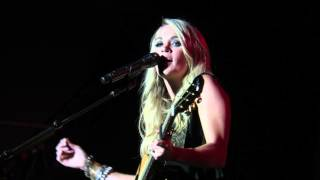 Carrie Underwood - Smoke Break Live Debut - Minnesota State Fair 8-29-2015