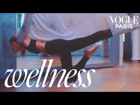 Madison Headrick tries Anti-Gravity Yoga, the new fitness craze | Vogue Paris