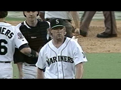 1995 ALDS Gm3: Charlton earns save in Mariners' win