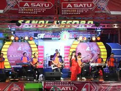Aku Tak Butuh Cinta - Cucu Cahyati (Official Music Video)