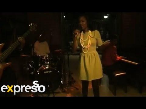 Zama Jobe performs 'Ndawo Yami' live on Expresso