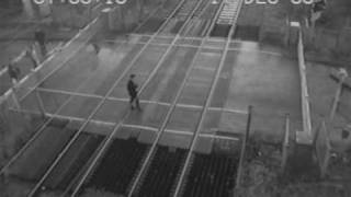 Man jumps barriers at Rainham Level Crossing Near Miss
