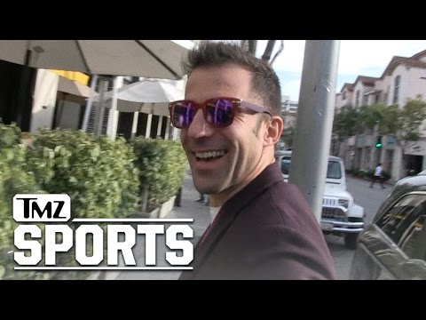 Italian Soccer Legend -- Props to Olive Garden ... It's Legit | TMZ Sports