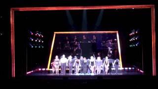 11月3日1:30PM公演のブロードウェイミュージカル「シカゴ」宝塚歌劇100...