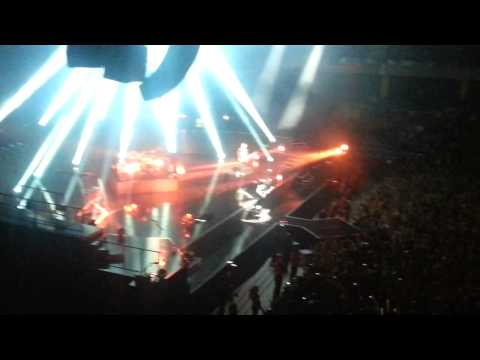 Muse - Unsustainable + Supremacy (live @ Tallinn 11.12.12) HD