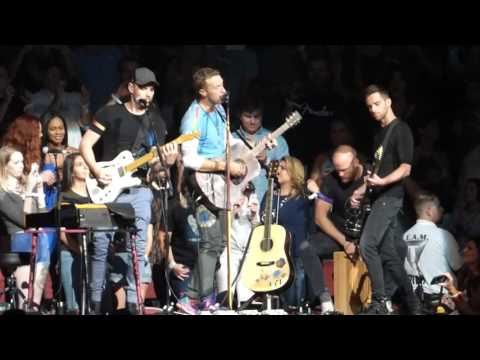 Coldplay  Shiver  Gila River Arena  Glendale, AZ