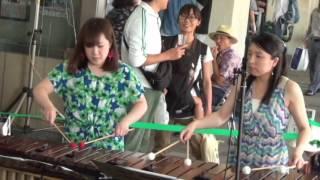 5月28日 駅のガード下での 祭り ヤマハ音楽教室 教師.