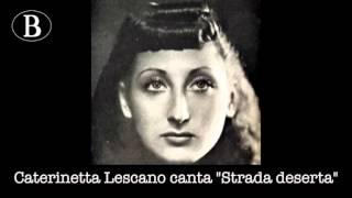 """Pippo Barzizza e i suoi cantanti. Caterinetta Lescano in """"Strada deserta"""". Orchestra Cetra, 1942."""