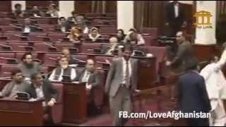 توهین و زورگویی لمپنوار حفیظ منصور در برابر داکتر رمضان بشردوست
