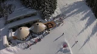 2 Yourtes bar d'altitude en station de ski à  Verbier en Suisse.