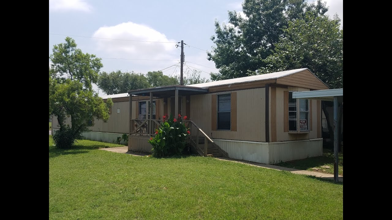 3 Bedroom 2 Bath CORNER LOT Mobile Home In Center Point Park