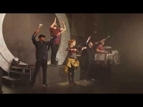 Lindsey Stirling - Roundtable Rival  (Live)