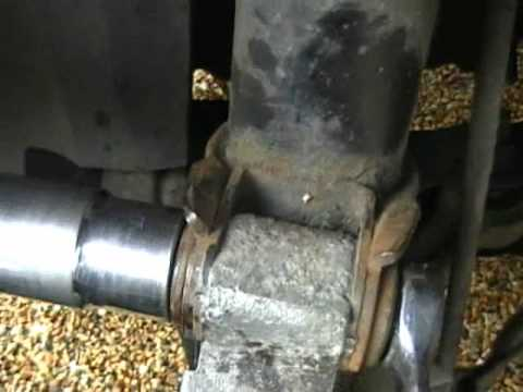 Volvo V70 Drive shaft/Half shaft axle removal/replacement info part of Vibration diagnosis - YouTube