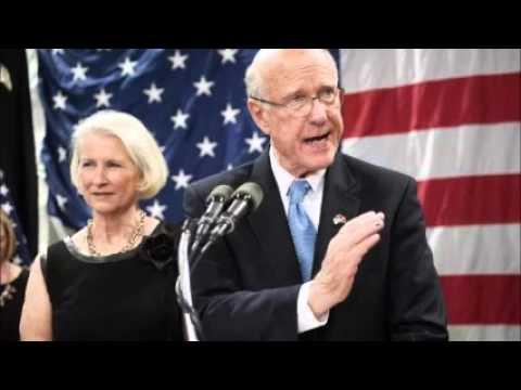 Senator presses U.S. derivatives regulator over accounting error