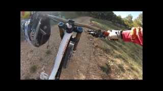 Gopro hero3 mountain biking : Downhill at home ! Specialized demo 8 2013