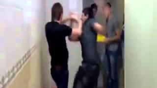 драка в туалете