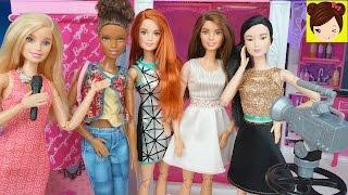 Barbie Desfile de Moda en el Centro Comercial de Malibu - Juego para vestir a Barbie