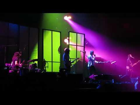 Warpaint New Song @ Mohegan Sun 9-1-17