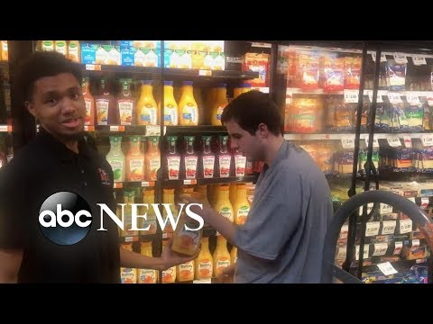 Worker lauded for inviting teen with autism to help him stock supermarket