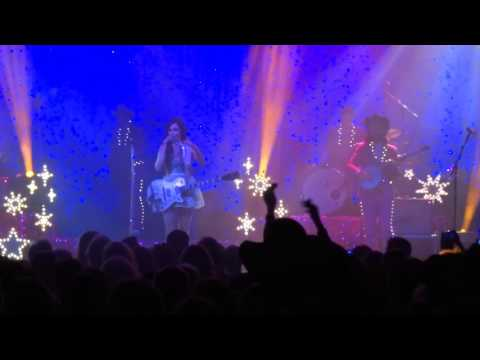 """Kacey Musgraves - """"Dime Store Cowgirl"""" (Live, Glasgow)"""