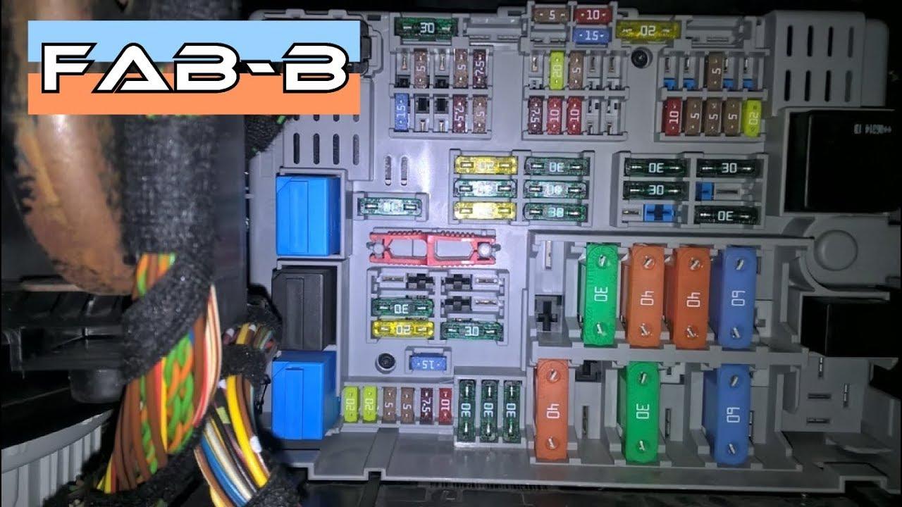 Comment Acc 233 Der Aux Fusibles Sur Bmw E90 E91 E92 E93 Youtube