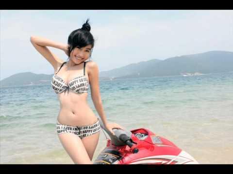 Elly Tran Ha 2011 bikini Thai land (www.ellytran.net).wmv