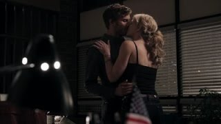 Sheriff Graham/Huntsman and Emma-Regina's last kisses | Once Upon A Time 1x07