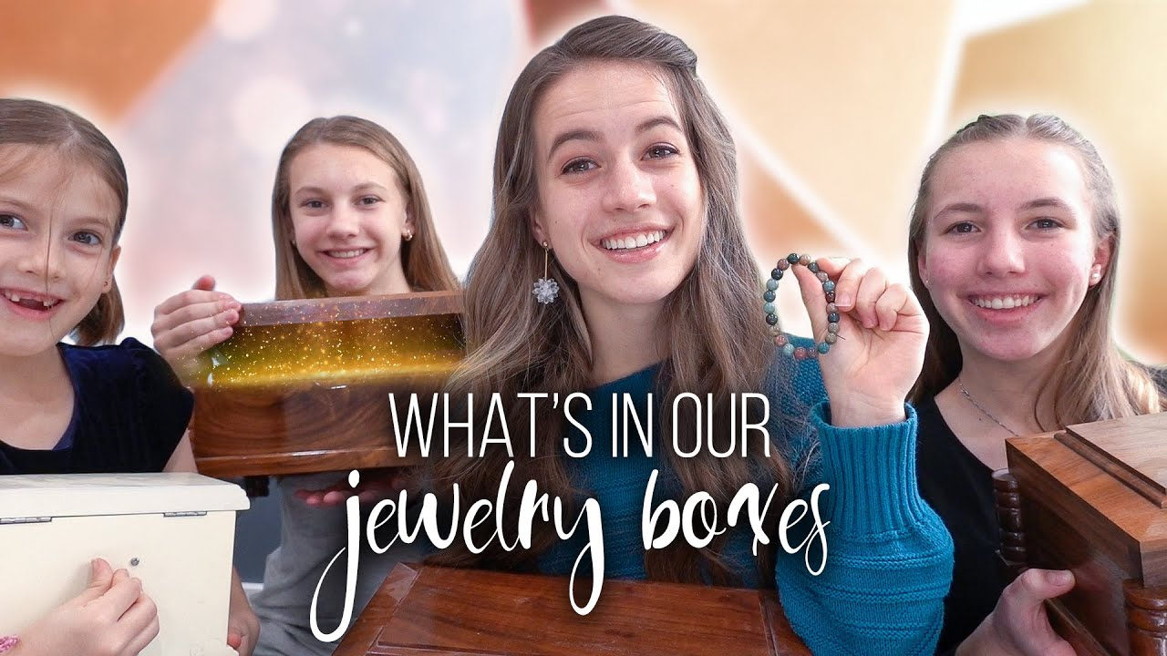 CUTE SISTER STORIES // What's In Our Jewelry Boxes
