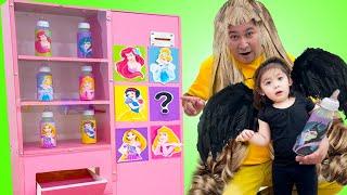 Princesses Song  Maddie Sing along Nursery Rhymes & Kids Songs