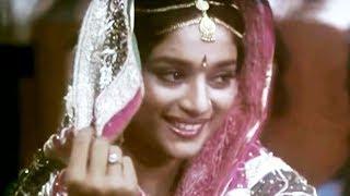 Mehandi Mehandi - Madhuri Dixit, Deewana Mujh Sa Nahin Song