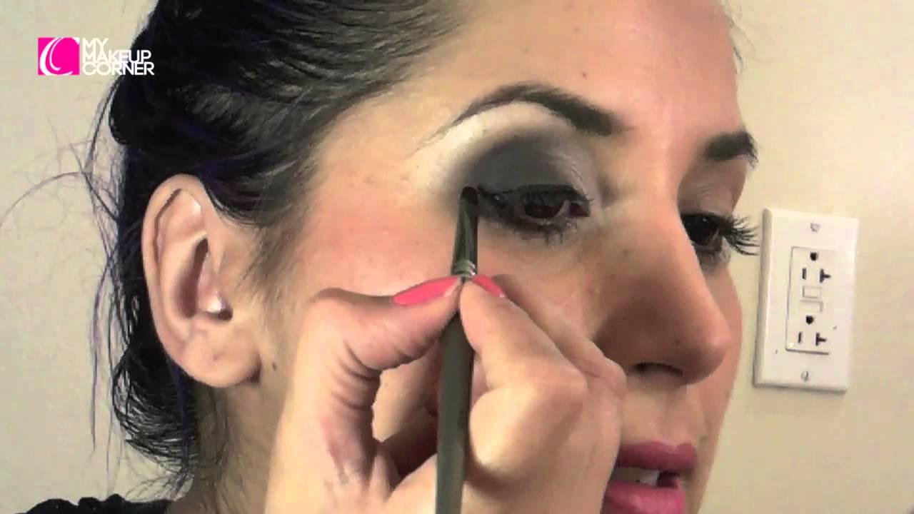 Como maquillar ojos peque os paso a paso how to make up for Como maquillar ojos ahumados paso a paso